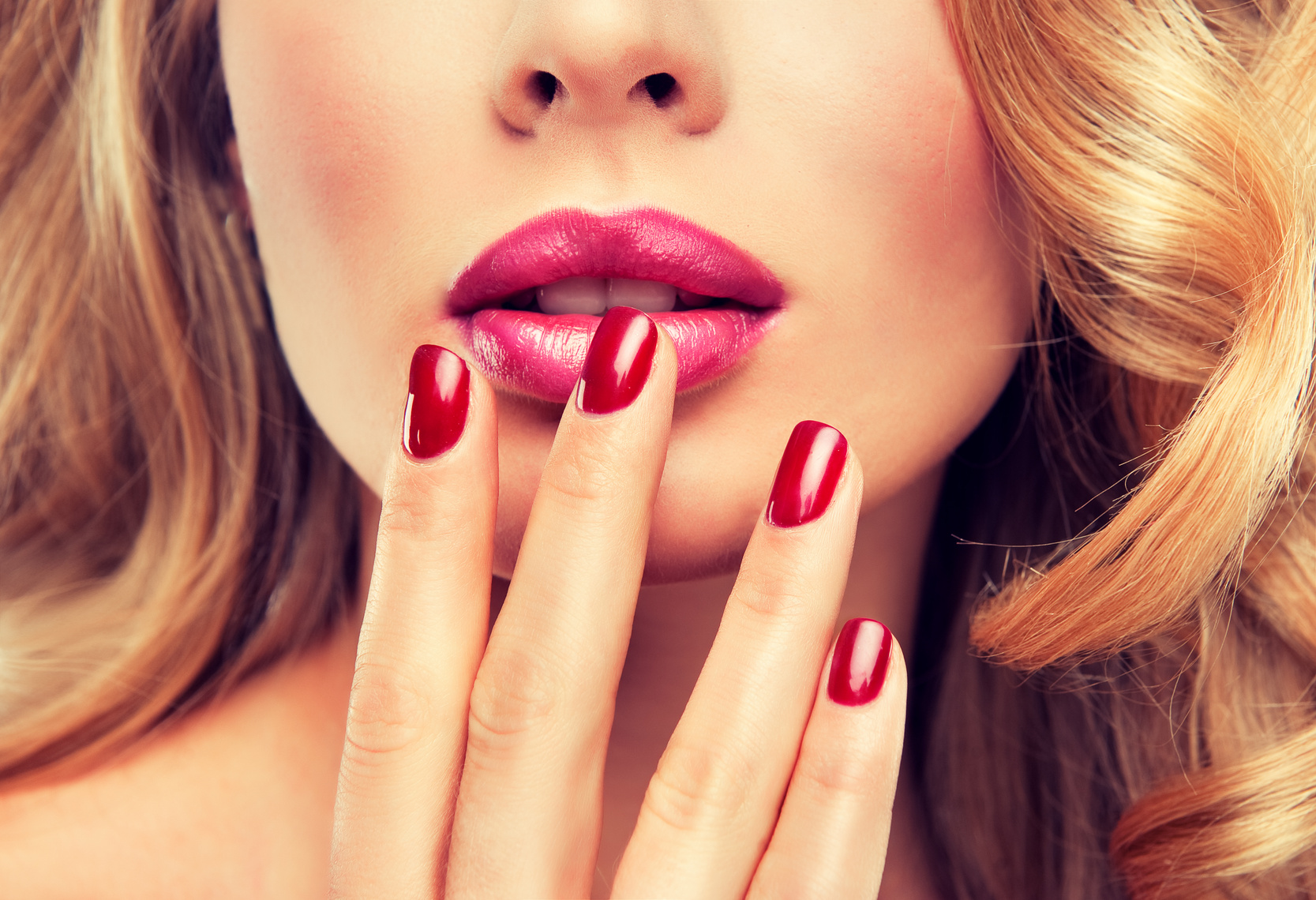 lippen richtig schminken anleitung. Black Bedroom Furniture Sets. Home Design Ideas